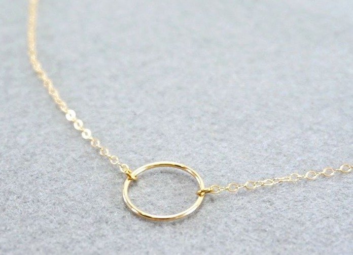 Minimalist Mücevherler Nasıl Kullanılmalı